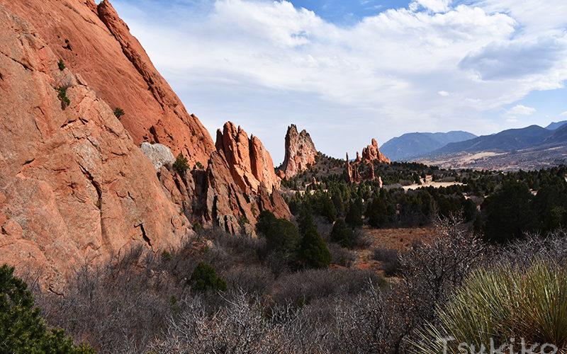 神秘的な岩山がそびえるコロラドの一大観光地 <br/>ガーデン・オブ・ザ・ゴッド