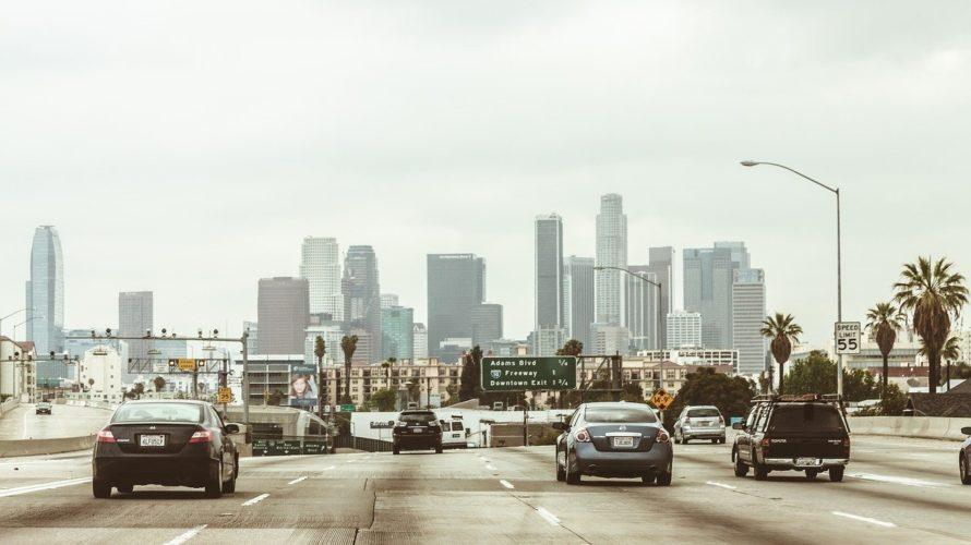 クレイジーなドライバーがはびこるロサンゼルスの交通事情